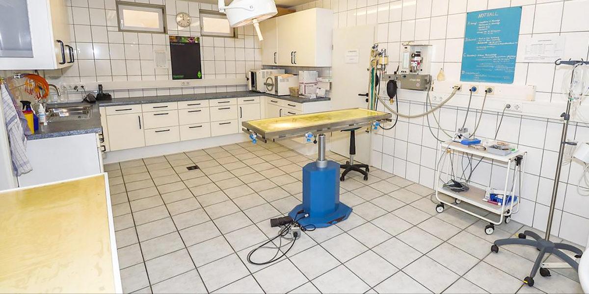 Der OP-Raum der Kleintierpraxis Graf, Köln-Porz