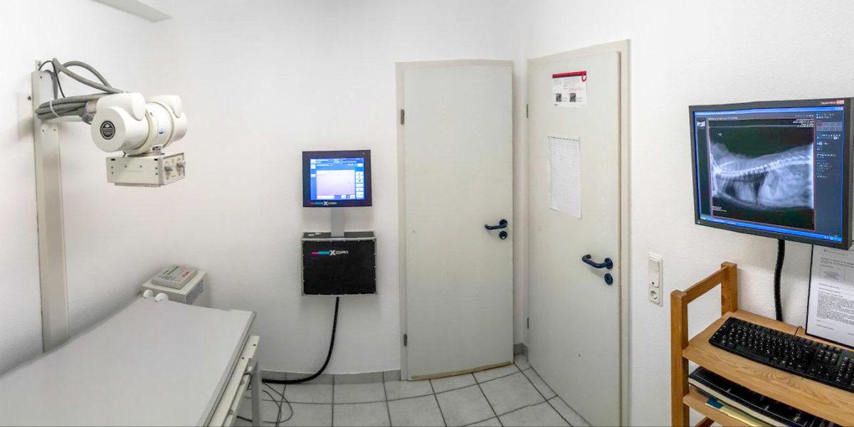 Der Röntgen-Raum der Kleintierpraxis Graf, Köln-Porz